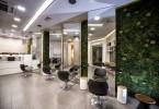 Свежесть природных акцентов в парикмахерской Cuts & Colors