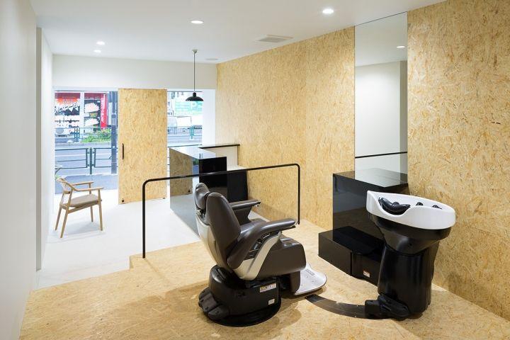 Облицовка стен из OSB в парикмахерской