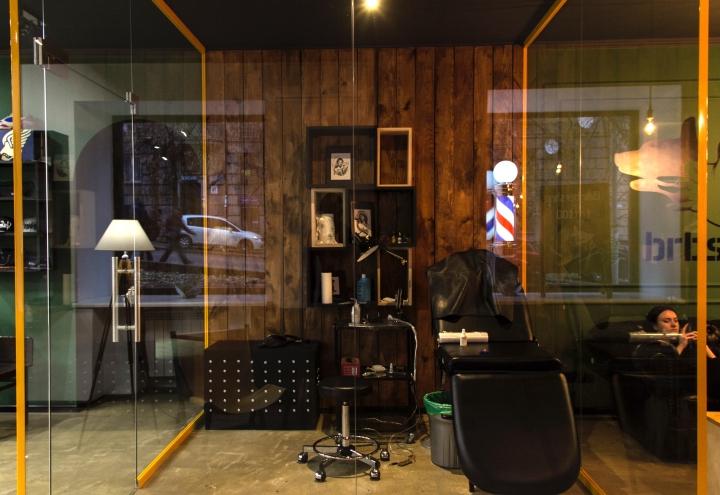 Комната для нанесения тату в парикмахерской