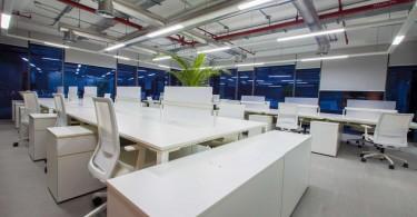 Концепция сбалансированного пространства в проекте офиса от Mona Hussein Design House