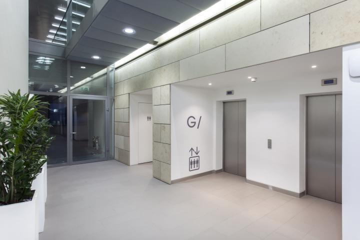 Светлое оформление интерьера офиса 55 Princess Street в Англии