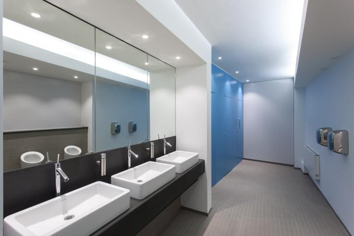 Ванная комната офиса 55 Princess Street в Англии
