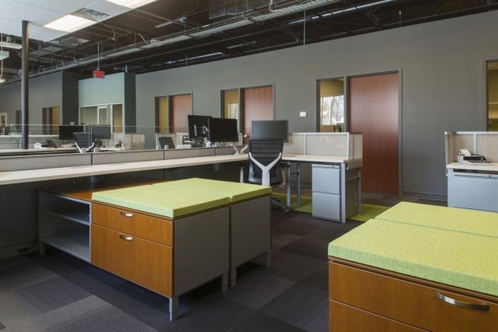 Места для работы в офисе Generations Bank