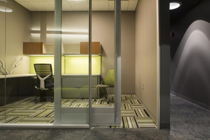 Рабочий кабинет в офисе Generations Bank