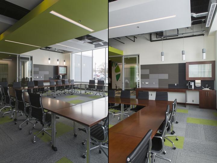 Рабочая зона в офисе Generations Bank