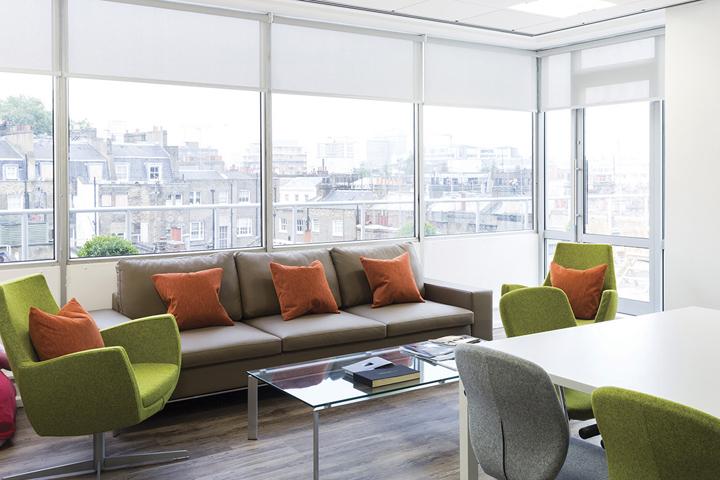 Панорамные окна в офисе Entertainment One