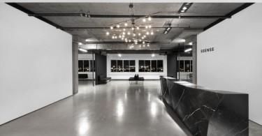 Шикарный дизайн интерьера офиса SSENSE