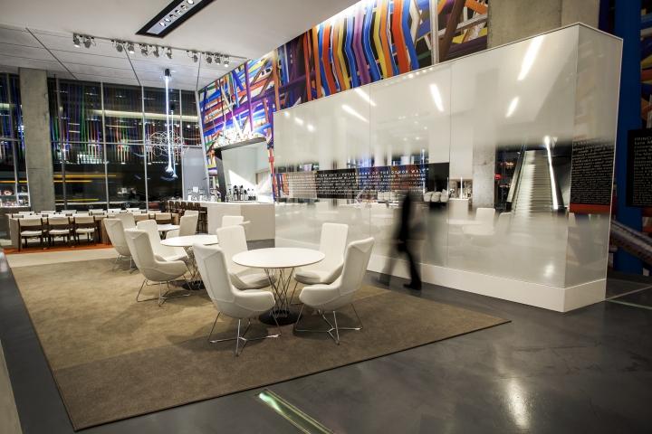 Яркое оформление центра современного искусства от FRCH Design Worldwide в США
