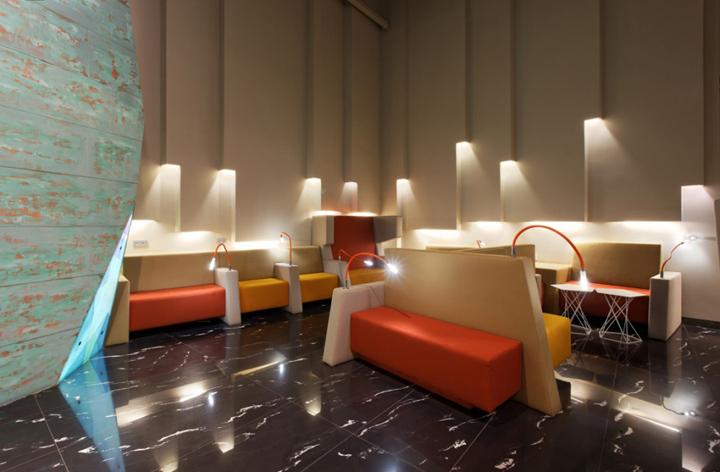 Великолепный дизайн интерьера комнаты отдыха в аэропорту