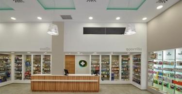 Удивительное сочетание простоты и четкости линий стиля техно в аптеке Ladopoulos Antonios