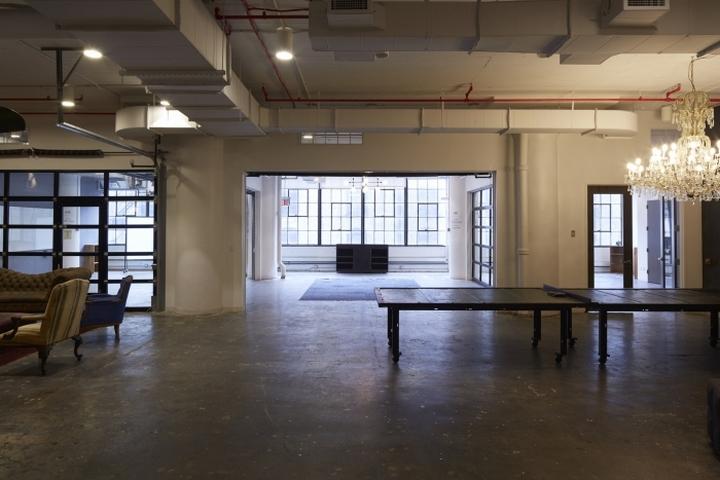 Тенисный стол в офисе