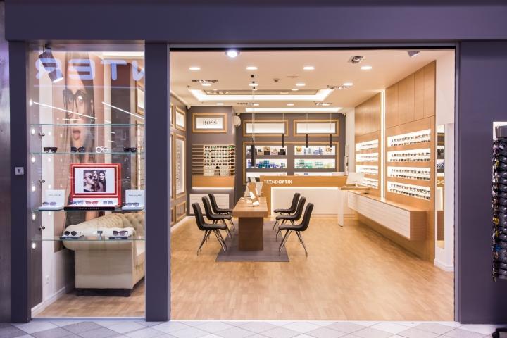 Дизайн магазина оптики: Trend Optik вид снаружи
