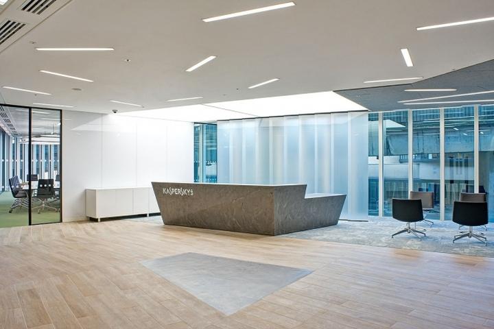 Ресепшн офиса компании Kaspersky Lab в Лондоне