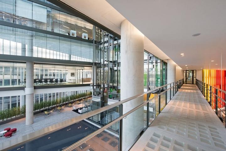 Уютный коридор офиса компании Kaspersky Lab в Лондоне