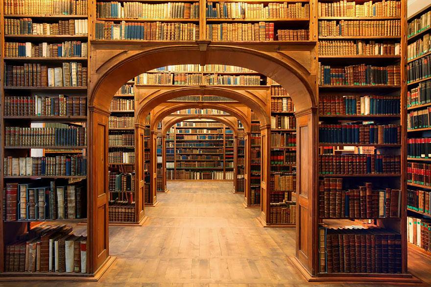 Величественные библиотеки мира: The Oberlausitzische Library Of Science