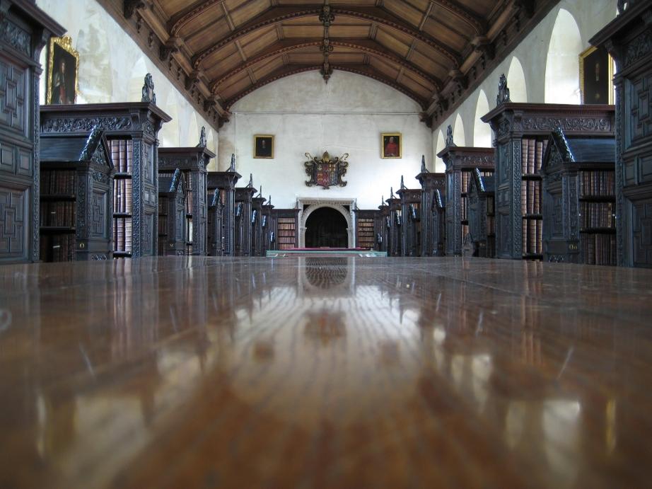 Величественные библиотеки мира: St John's College Library