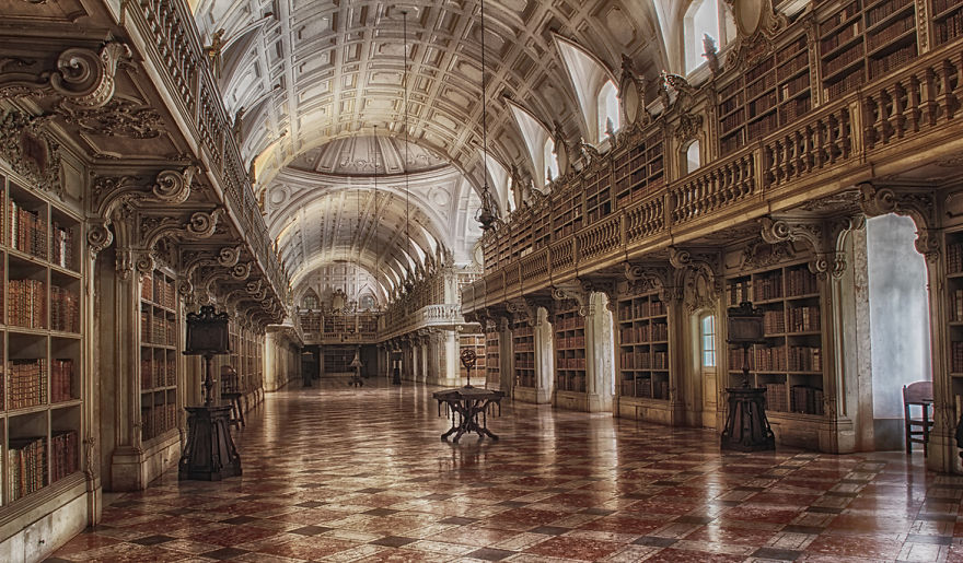 Величественные библиотеки мира: Национальный дворец De Mafra