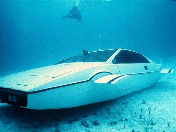 Знаменитый автомобиль-амфибия Джеймса Бонда из к/ф «Шпион, который меня любил» 1977г.