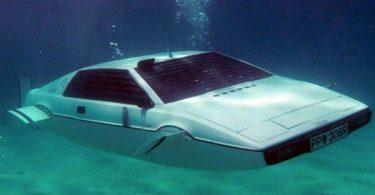 Сохранился только один автомобиль-амфибия Джеймса Бонда