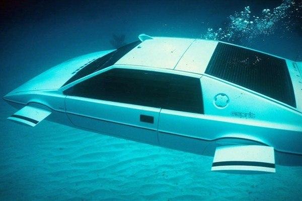 Знаменитый автомобиль-амфибия Джеймса Бонда - фото 5