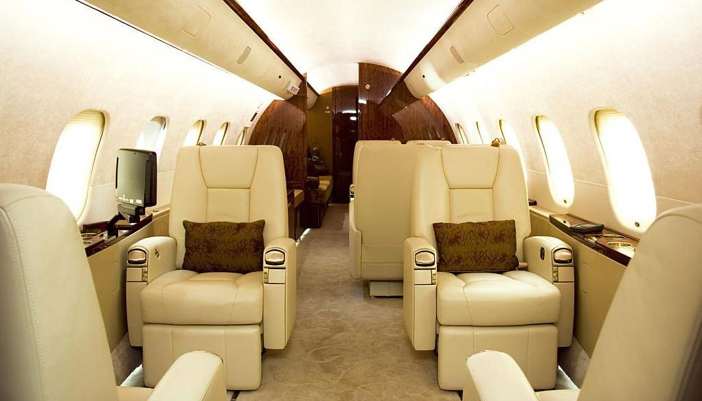 Бизнес-джет самолёт Bombardier BD-700-1A11 Global 5000: комфорт и уют интерьера - фото 2