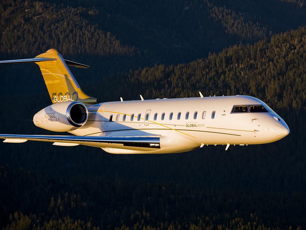 Бизнес-джет самолёт Bombardier BD-700-1A11 Global 5000 в первых полетах установил новый рекорд скорости для подразделения деловой авиации