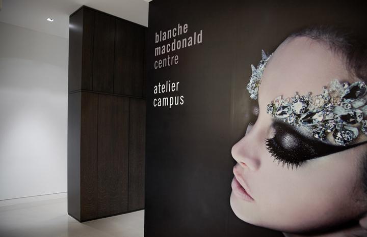 Великолепный дизайн международной школы стилистов Blanche Macdonald в Канаде