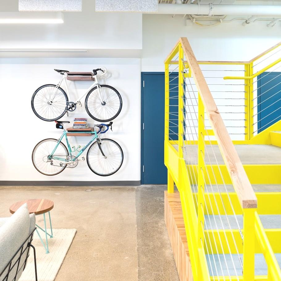 Велосипеды в оформлении офиса компании Capital One Lab