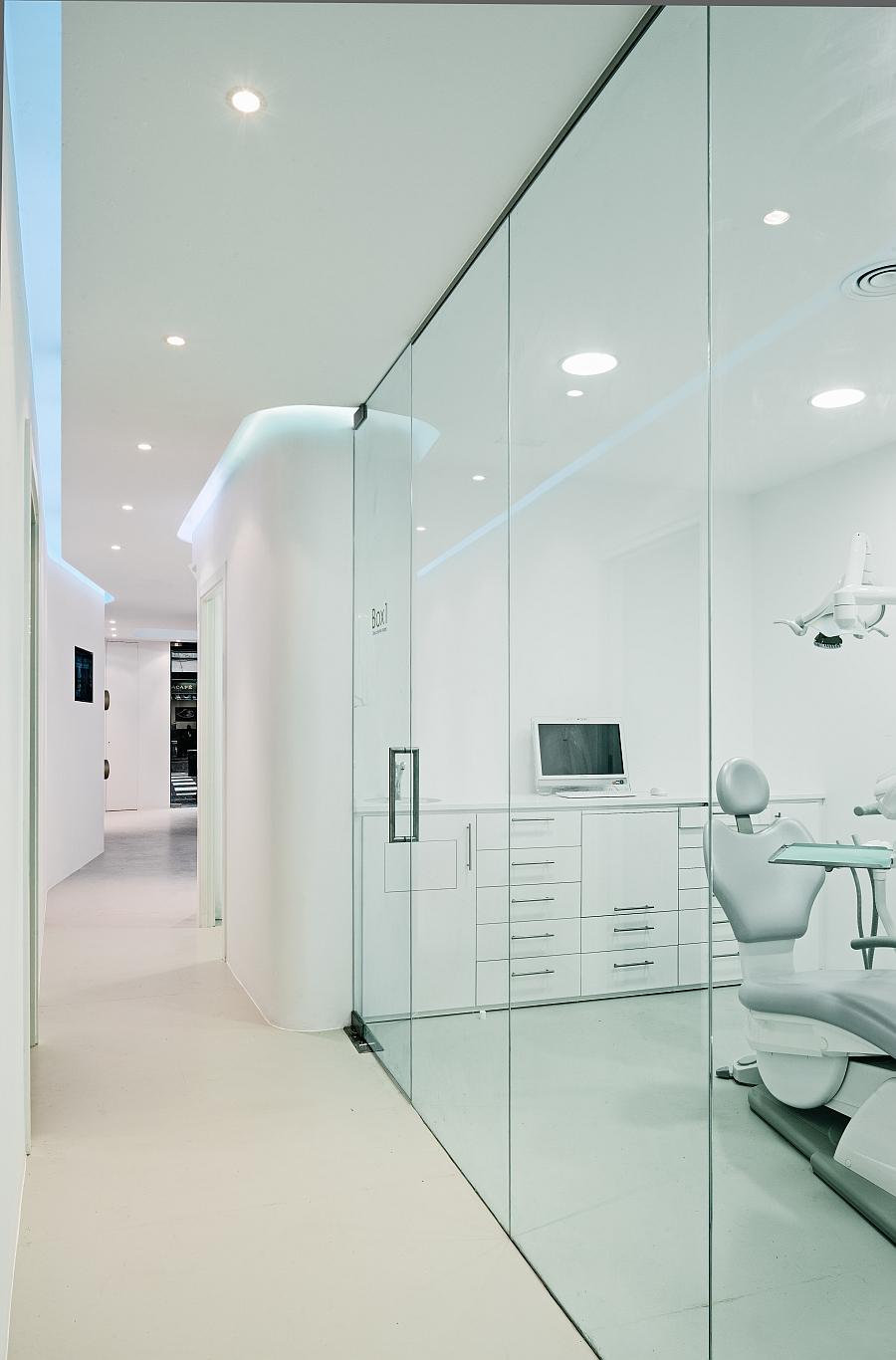 Дизайн интерьера стоматологической клиники в Барселоне