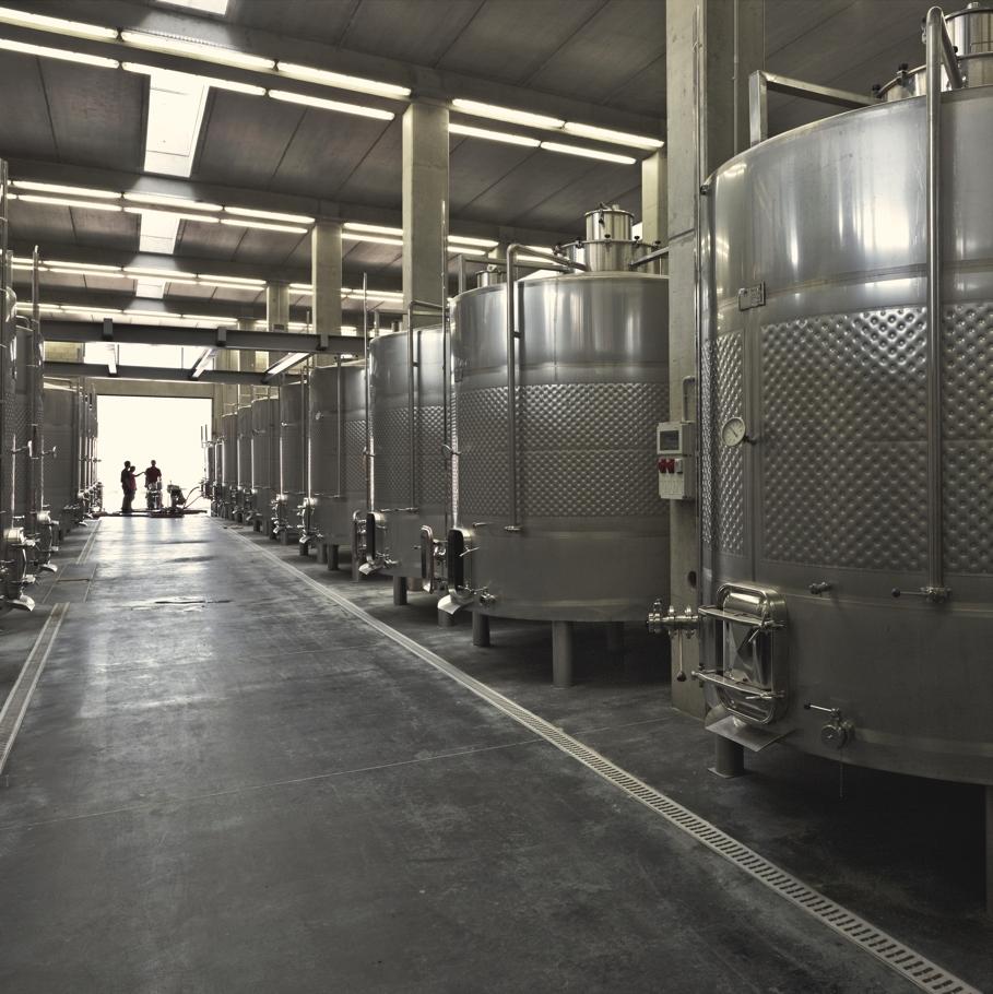 Резервуары с вином