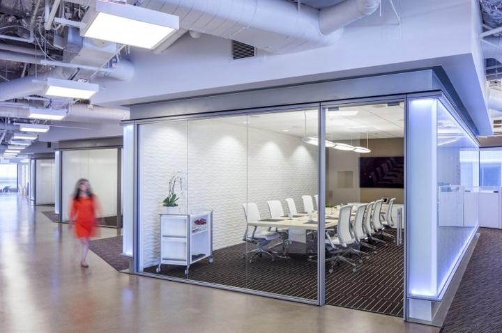 Дизайн интерьера конференц-зала Cornerstone OnDemand