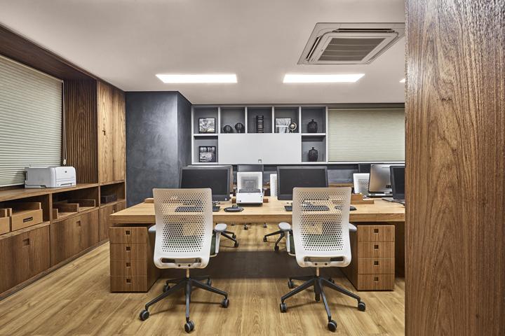 Деревянная отделка офиса в городе Нова Лима