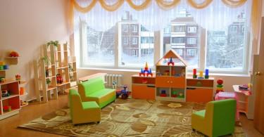 Фотографии и примеры оформления творческих уголков и стен в детском саду