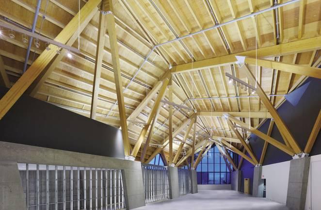Дизайн деревянной крыши