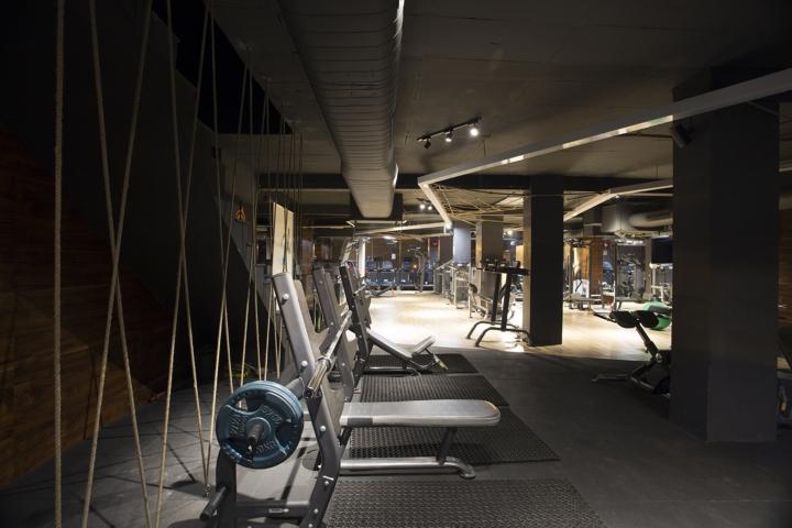 Дизайн фитнес клуба: вертикальные тросы