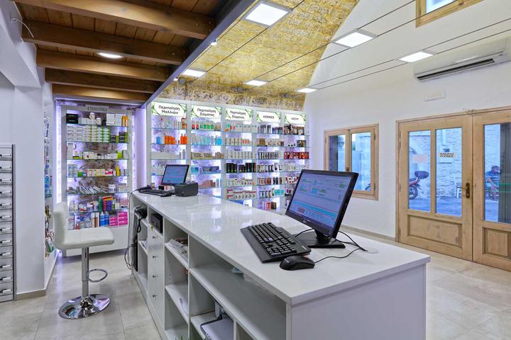Дизайн интерьера аптеки Petropoulou Agapi