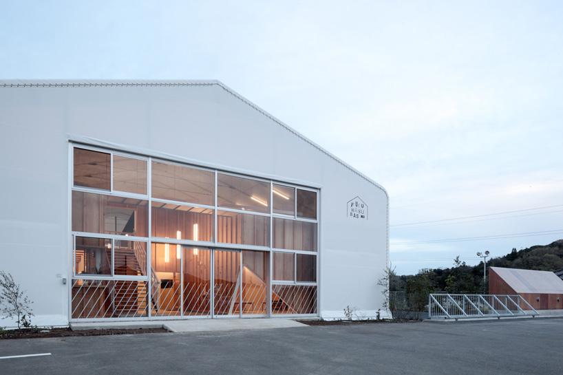 Большие окна в дизайне интерьера детского сада