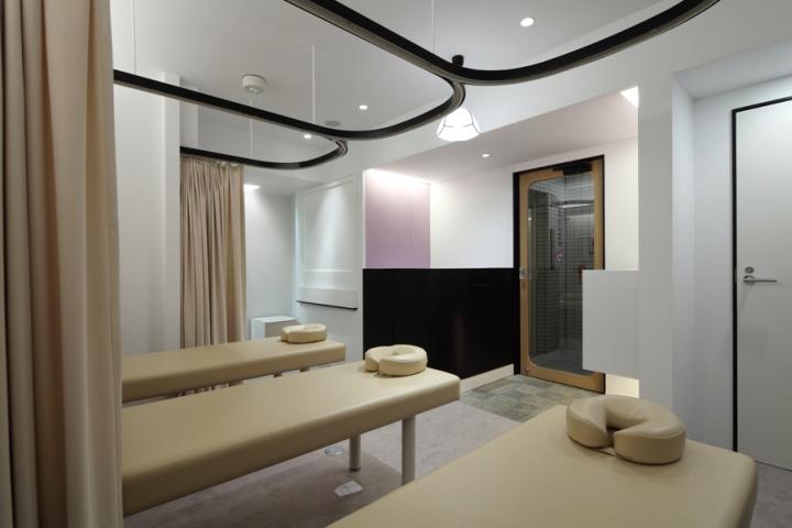 Дизайн интерьера клиники продуман до мелочей