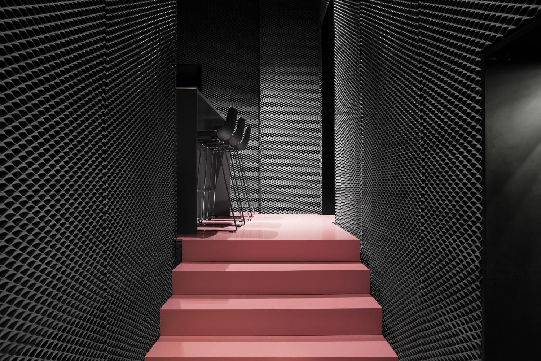 Розовая лестница - Фото 1