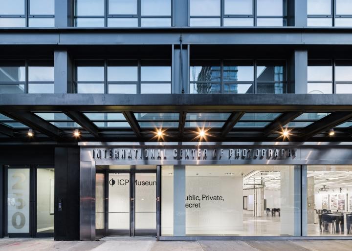 Дизайн интерьера музея: застеклённый фасад