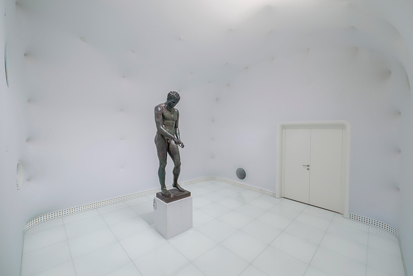"Дизайн интерьера музея: ""Белая комната"""