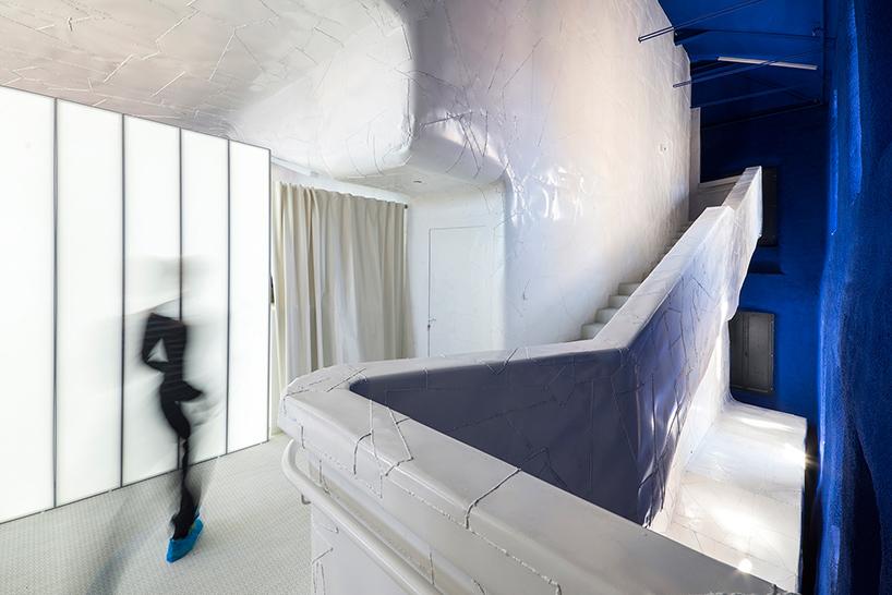 Дизайн интерьера музея: лестница