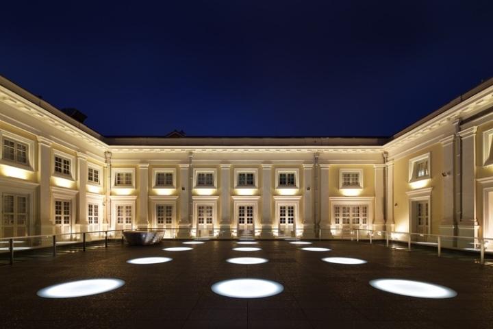 Дизайн интерьера музея: старинная архитектура здания