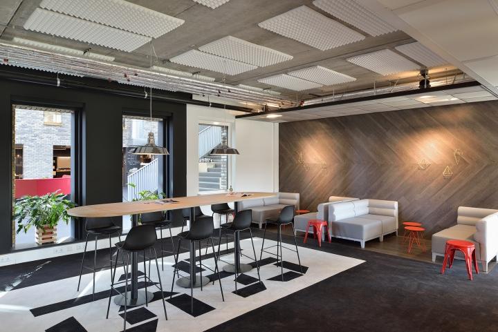Дизайн интерьера офиса. Фото из Эйдховена