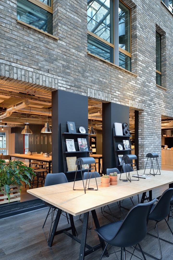 Дизайн интерьера офиса. Фото из Эйдховена - обеденная зона
