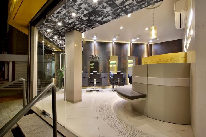 Дизайн интерьера парикмахерского салона Capital в Индии
