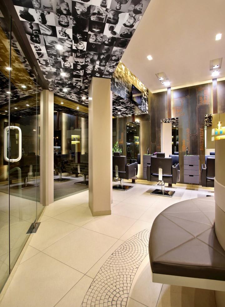 Дизайн интерьера парикмахерского салона Capital в Индии: необычное оформление потолка