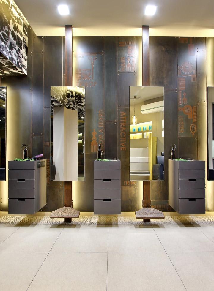 Дизайн интерьера парикмахерского салона Capital в Индии: места для стрижки