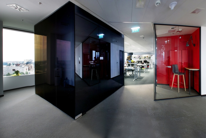 Дизайн интерьера современного офиса: «уголки» для индивидуальной работы
