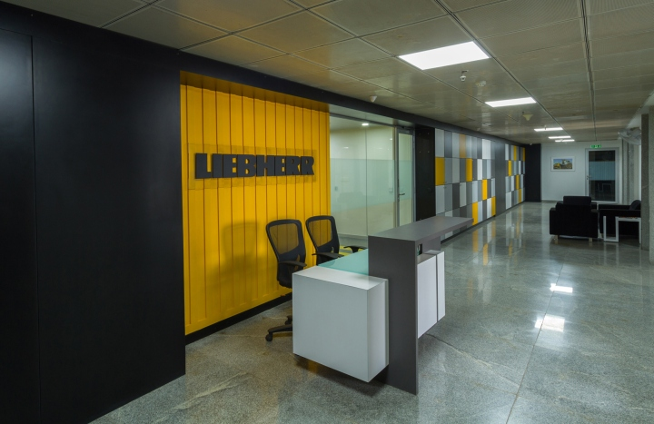 Дизайн интерьера современного офиса индийского филиала